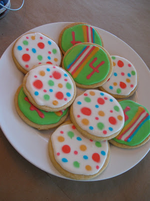I used my best sugar cookies recipe for these polka dot cookies.