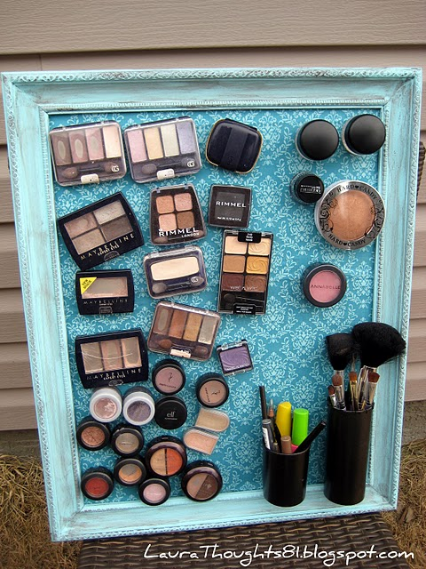 How awesome is this makeup organizer?!