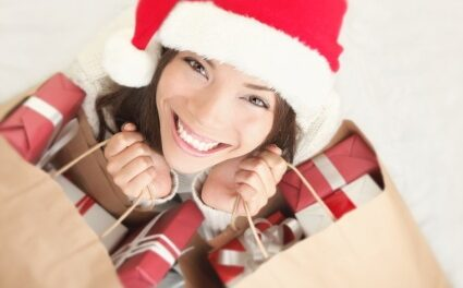7 Smart Holiday Shopping Tips