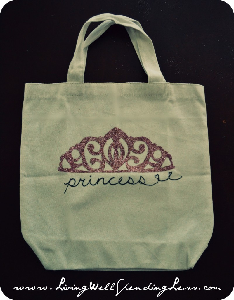 The completed tote bag