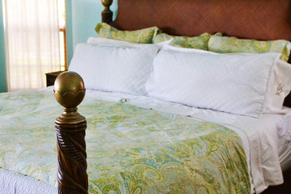 Why I Make My Bed | 10 Good Reasons I Keep My House Clean