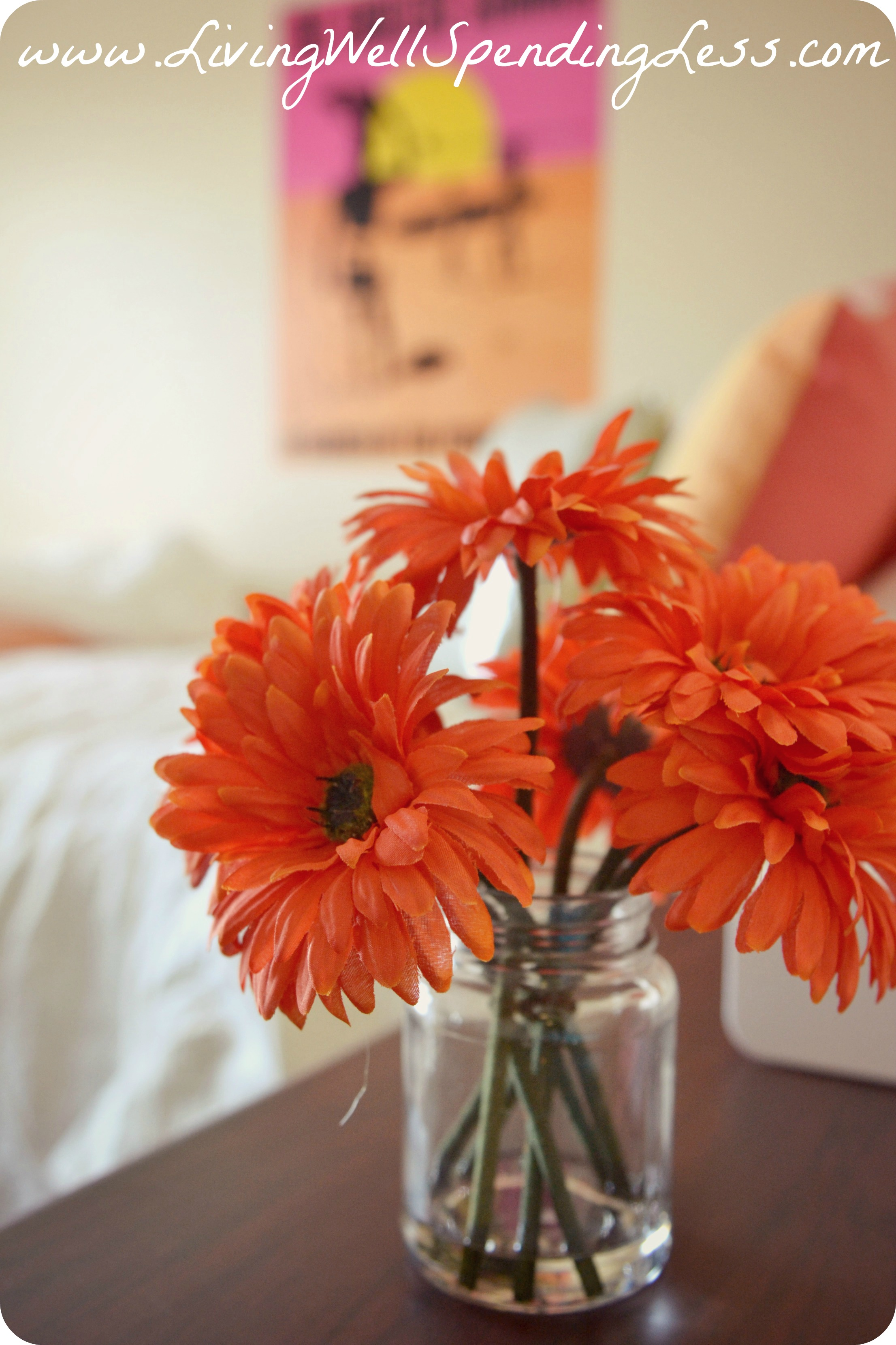 5 tips for decorating a dorm room on a budget budget