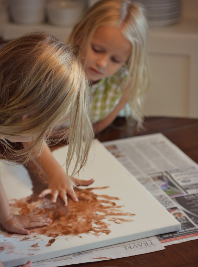 The kids love getting involved with these canvas art projects - it's a fun family craft day