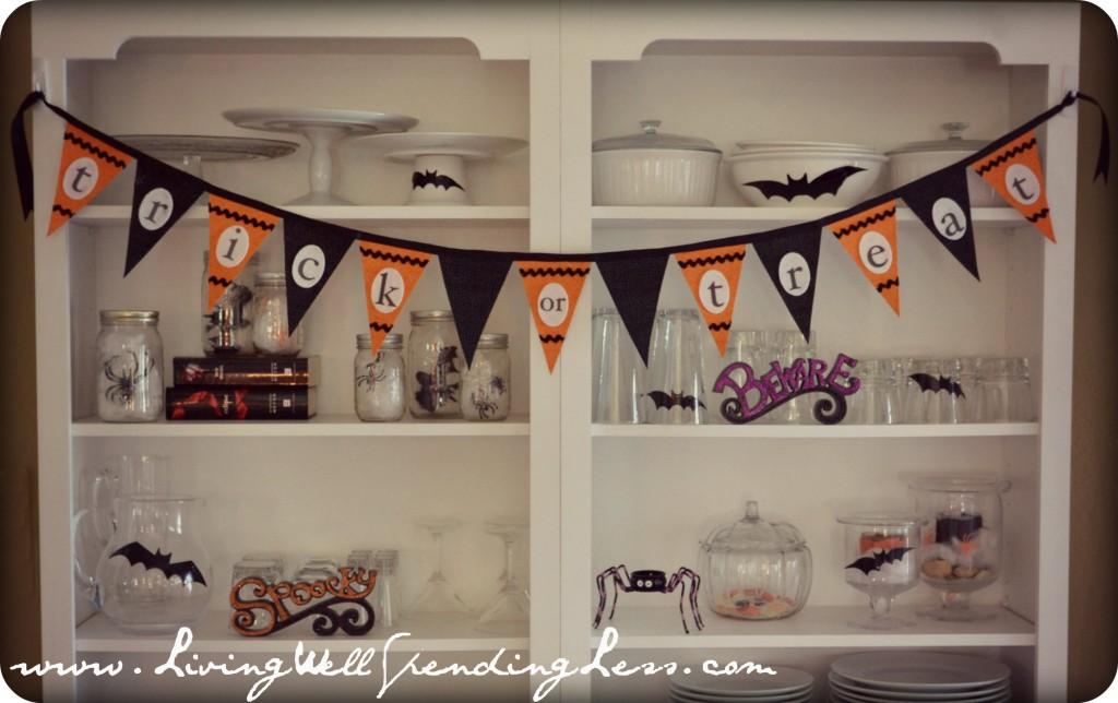 "DIY ""Trick-or-Treat"" Halloween Bunting"