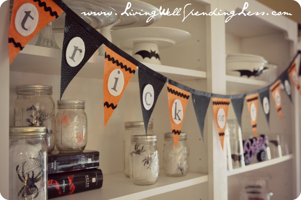 Free Pattern for Easy Halloween Bunting