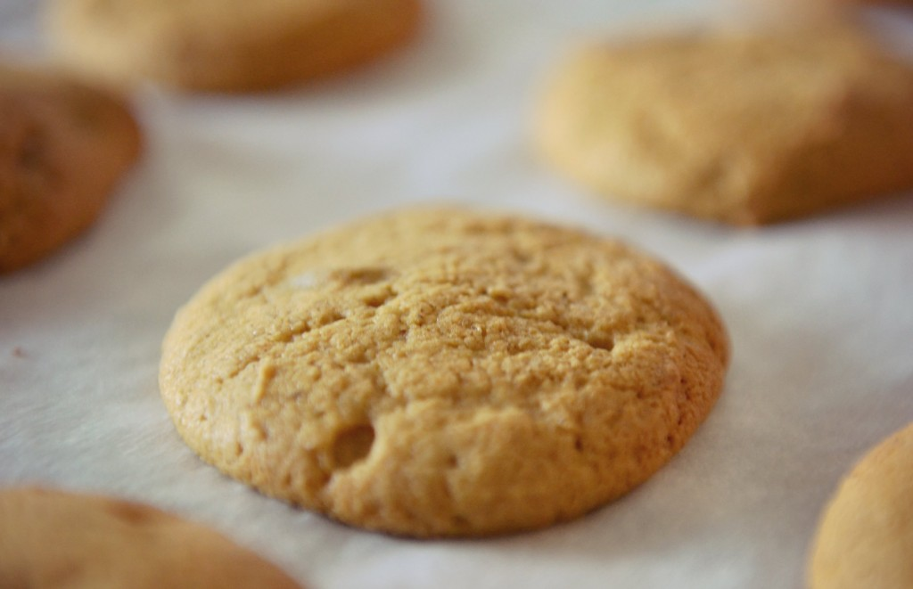 Enjoy the delicious aroma of these cookies while they cool.
