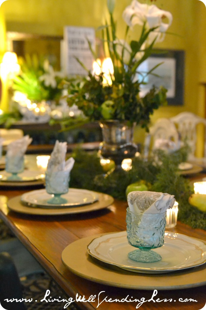 This lovely holiday table setting is elegant and green.