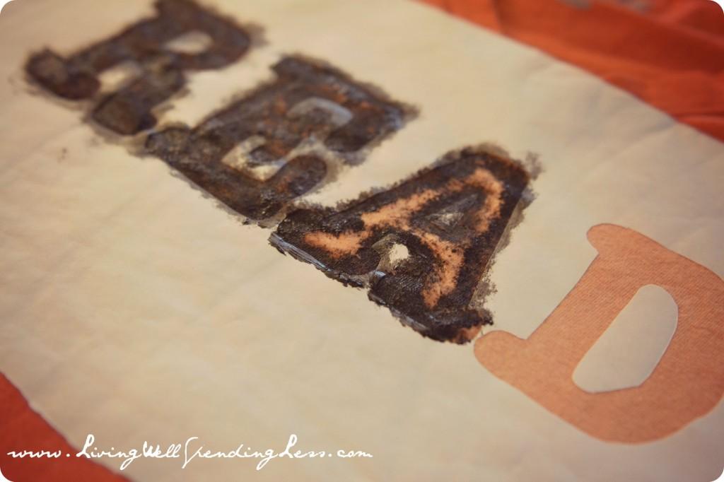 Vintage Freezer Paper Bleach T-Shirts | Creative T-Shirts | DiY Vintage Freezer Paper Stencil Bleach T-Shirts | Bleach Design Tees with Freezer Paper | How To Make Freezer Paper To Create Fabric Stencils