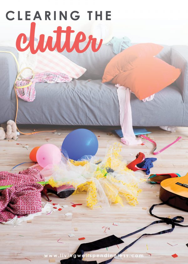 Start fresh this year with these 6 easy tips for de-cluttering your home. Find out what to get rid of, what to keep, and how to make sure it really leaves!