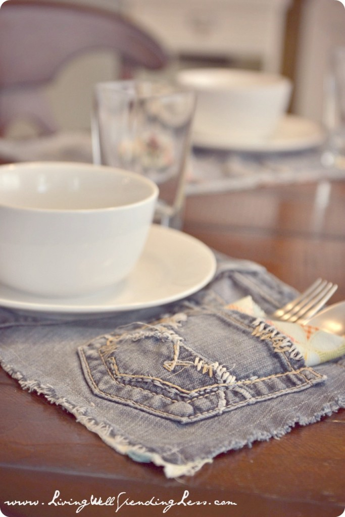 Upcycled Denim Placemats | DIY Denim Placemats | Tips Recycle Old Jeans | Handmade Denim Placemats