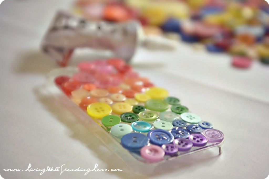 DiY Rainbow Button iPhone Case.  This is SO cute!