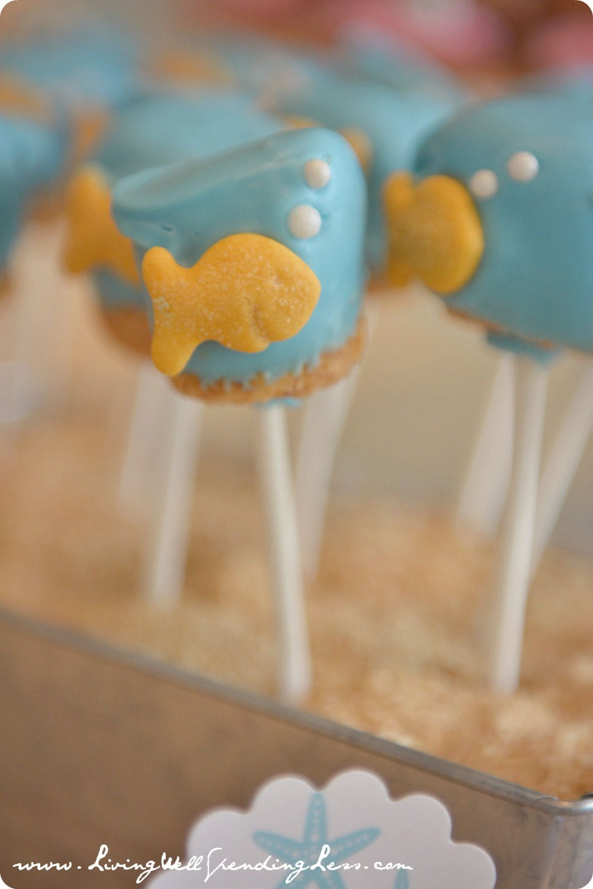 These little goldfish pops are easy to grab and go (and come together fast).