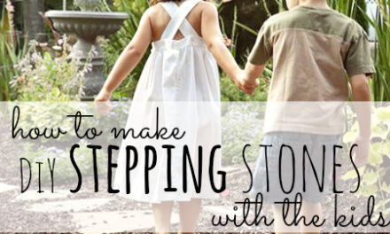 How to Make DiY Stepping Stones With The Kids