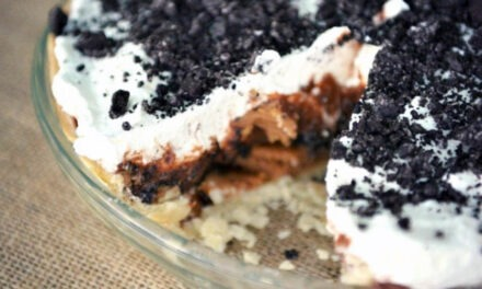 Quick & Easy Chocolate Peanut Butter Oreo Pie