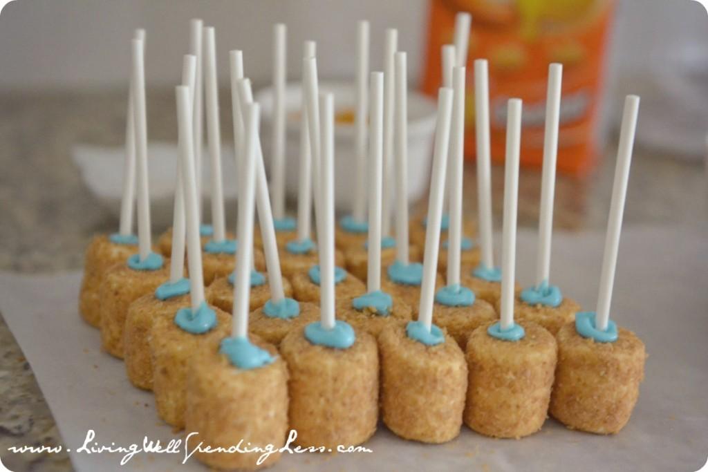 DIY Goldfish Marshmallow Pops | Recipe | Marshmallow Pops | Decorating Marshmallows