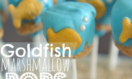 DIY Goldfish Marshmallow Pops