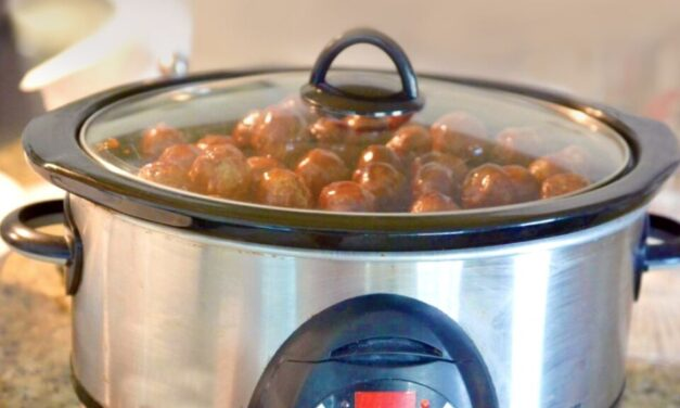 Sweet & Sour Crockpot Meatballs