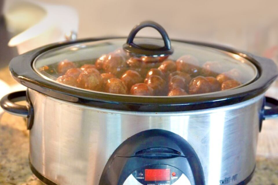 Sweet & Sour Crockpot Meatballs