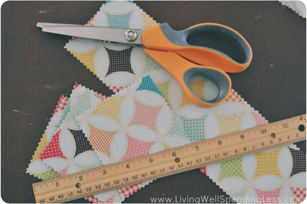 Use the pinking shears to trim the edges.
