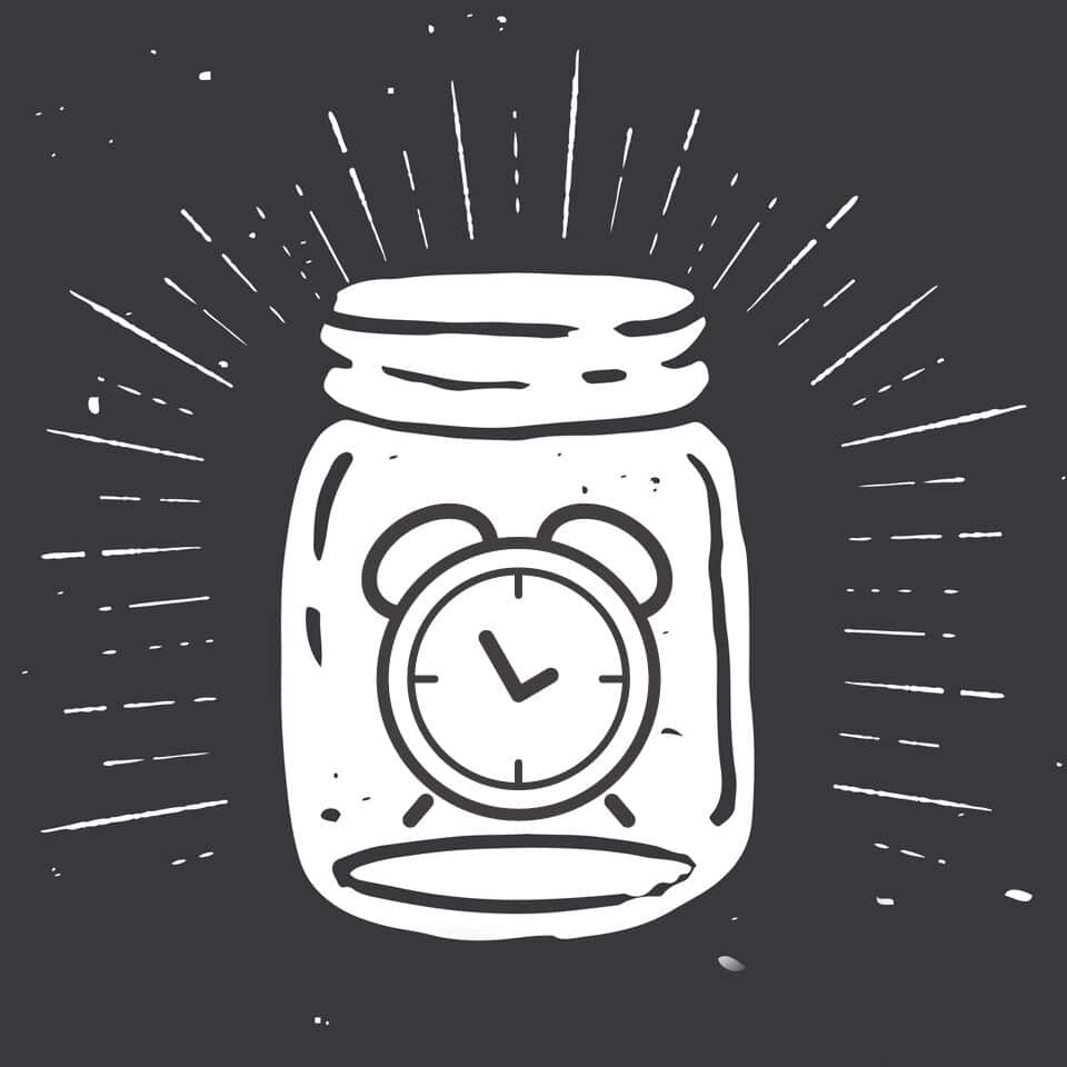 Do you ever feel like you spend so much time putting out fires that there is never enough time or energy for your big goals or dreams? Don't miss these 5 simple time management steps that could just change everything. A must read for anyone who has ever struggled to get things done! There's even a free printable workbook that walks you through all five steps.Time Jar | Life Hacks | Time Management Tip | Priorities | Life Goals