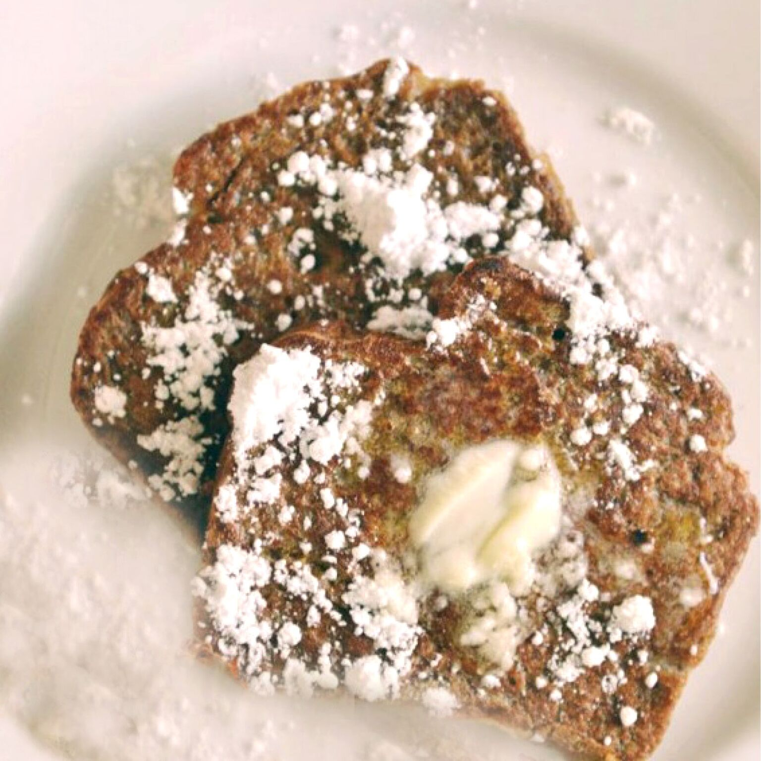 Ever wished you could have pumpkin pie for breakfast? This decadent Pumpkin Bread French Toast is surprisingly good-for-you. Seriously AMAZING & perfect for fall!