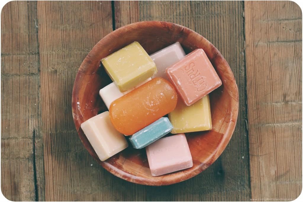 DIY Liquid Hand Soap | Handmade Holidays | Cheap Recipe Blog | DIY Soap | Gift Ideas | Handmade Gift Ideas