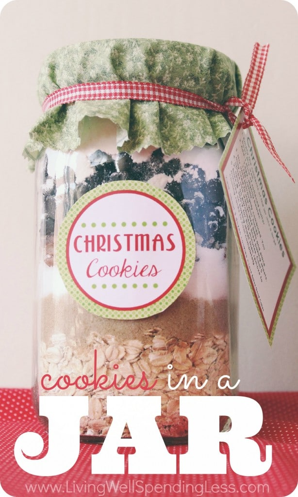 DIY Cookie Mix in a Jar | Handmade Holidays | Recipes for Gifts in a Jar | DIY Christmas Jar Cookie Mix | Gift Ideas | Holiday Gift | DIY Cookie Jars |Cookie Recipes