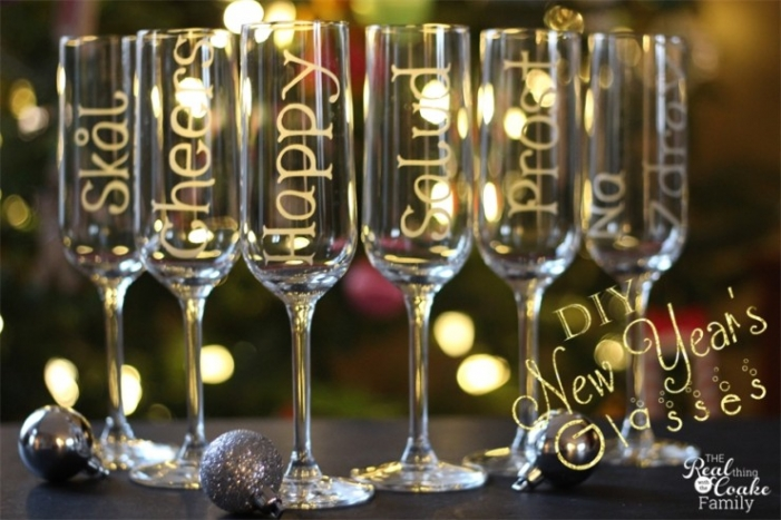 Champagne-Glasses-740x493(pp_w701_h467)