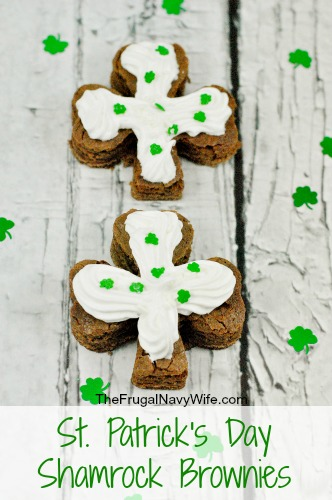 St.-Patricks-Day-Shamrock-Brownies