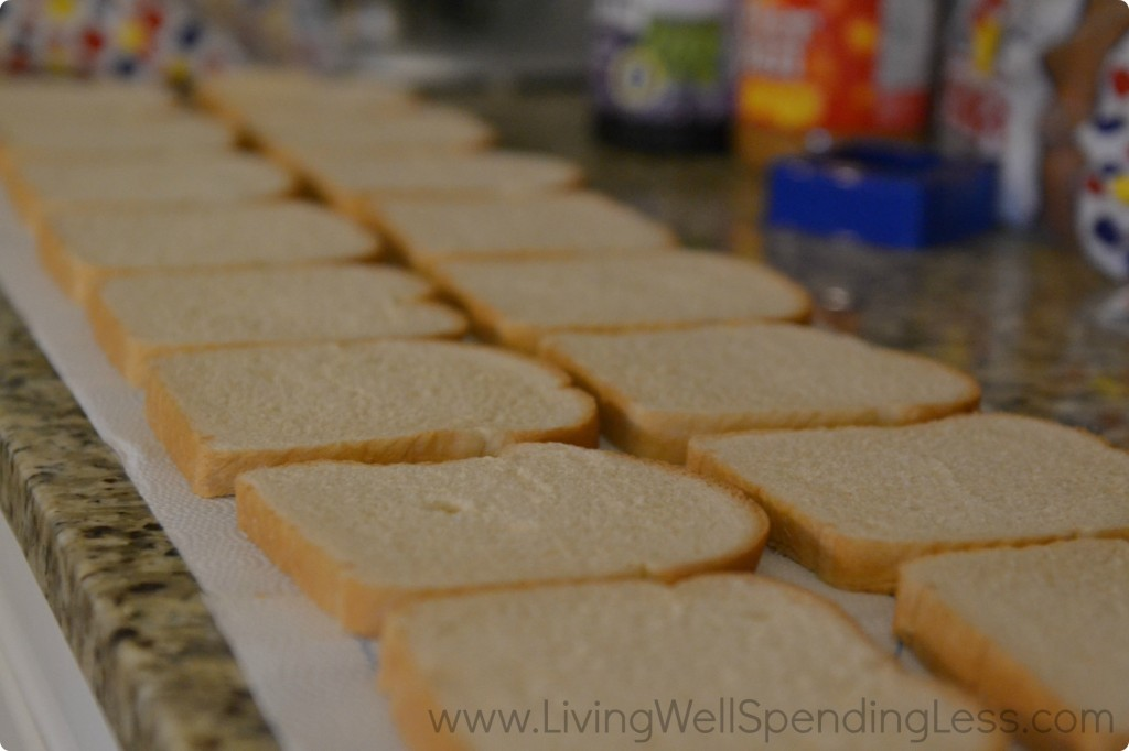 Premade sandwiches? Save time in the morning by prepping some PB&J ahead of time and freezing.