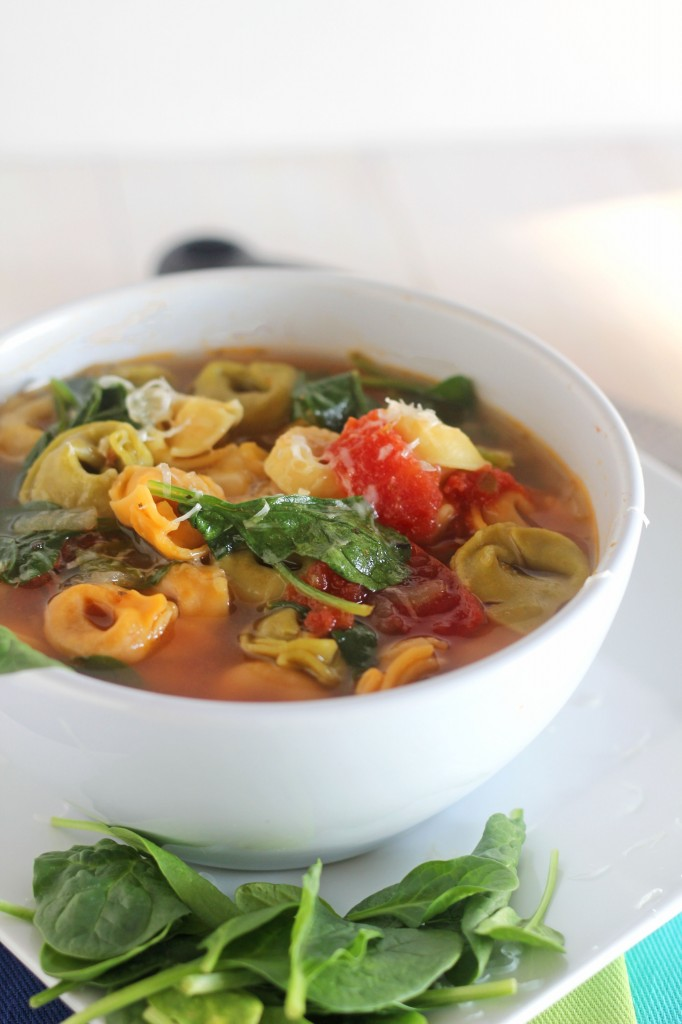 Spinach-Tortellini-Soup-5-682x1024