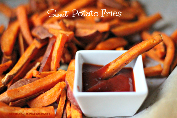 Sweet-Potato-Fries-with-Ketchup