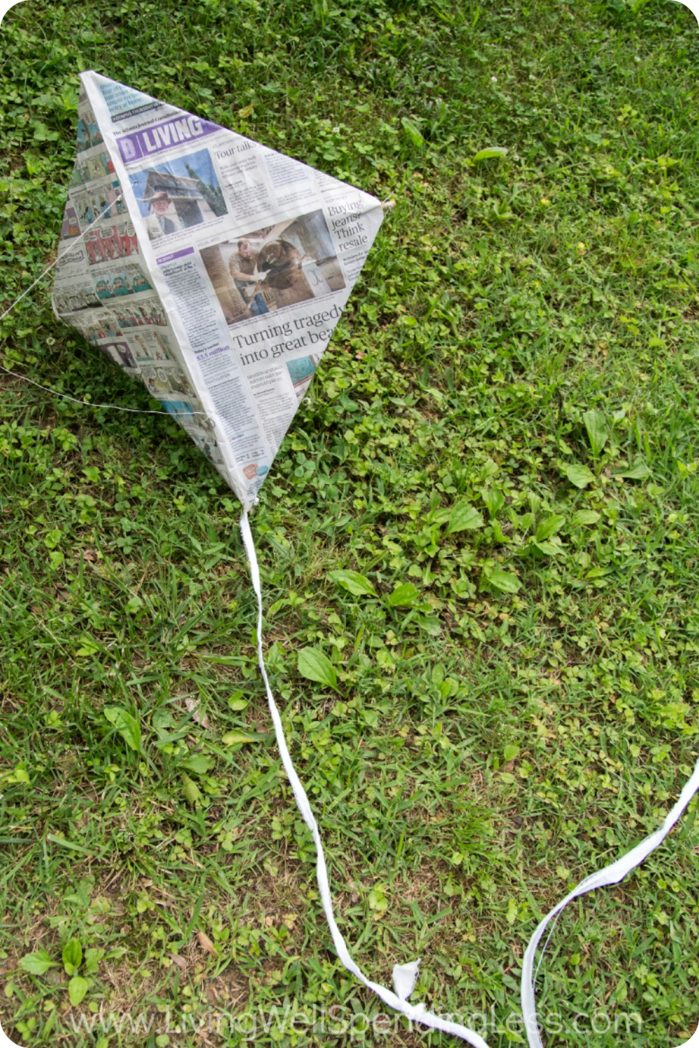 DIY Newspaper Kite 11 Vertical