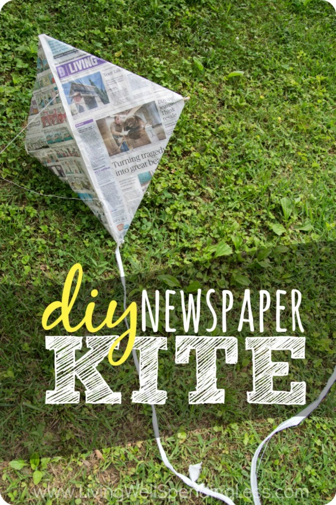 DIY Newspaper Kite Vertical n1