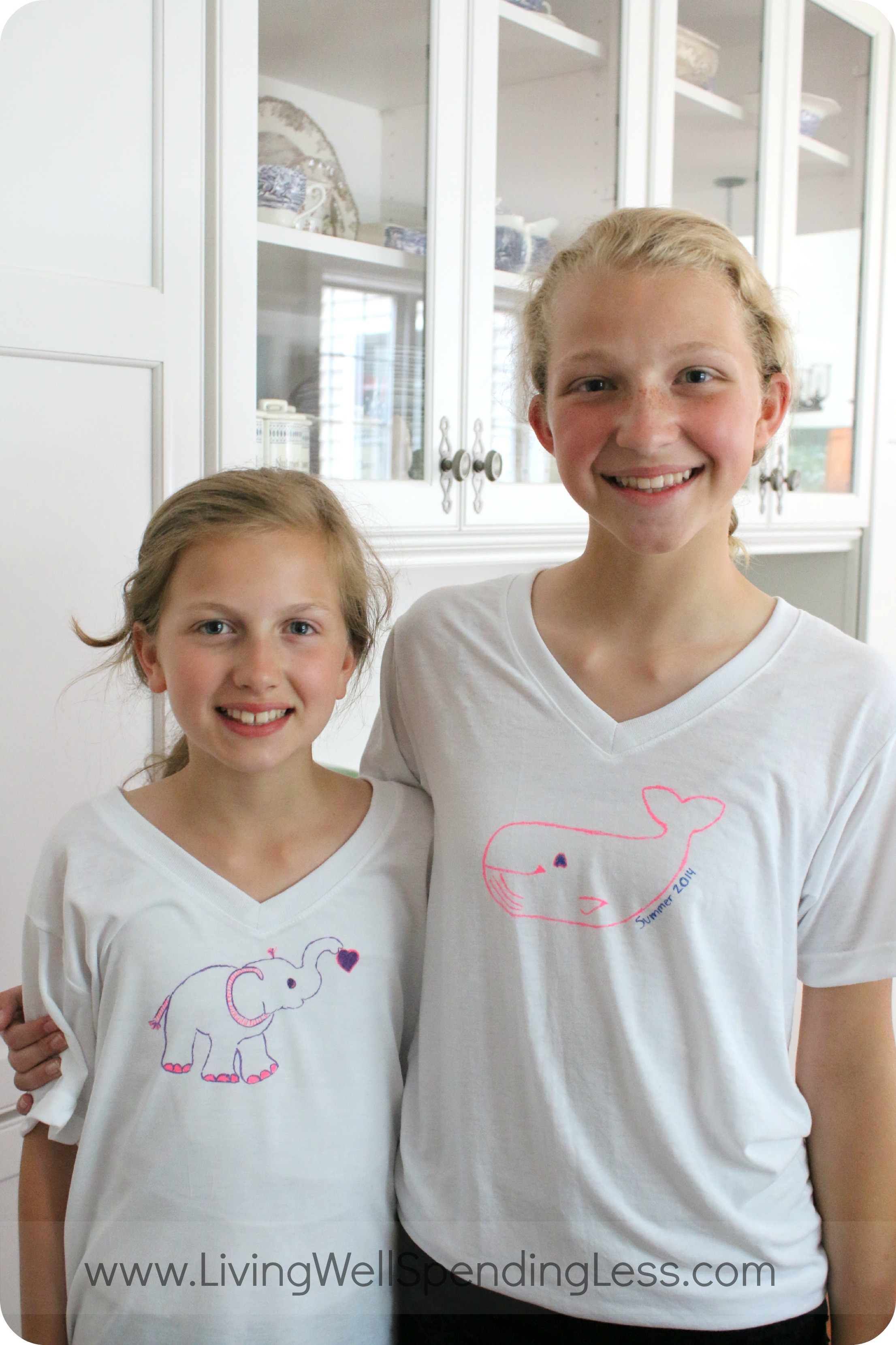 How adorable are these DIY Sharpie Marker t-shirts? These girls love their fresh new t-shirt designs for summer.