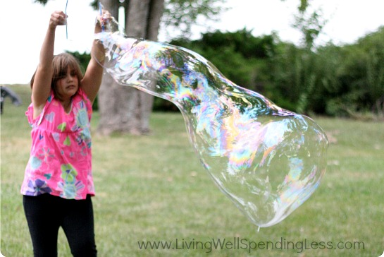 Giant Homemade Bubbles | DIY Giant Bubbles | Giant  Bubbles Recipe | Big Thick Bubbles | Really Big Bubble Maker | Crafts for Kids