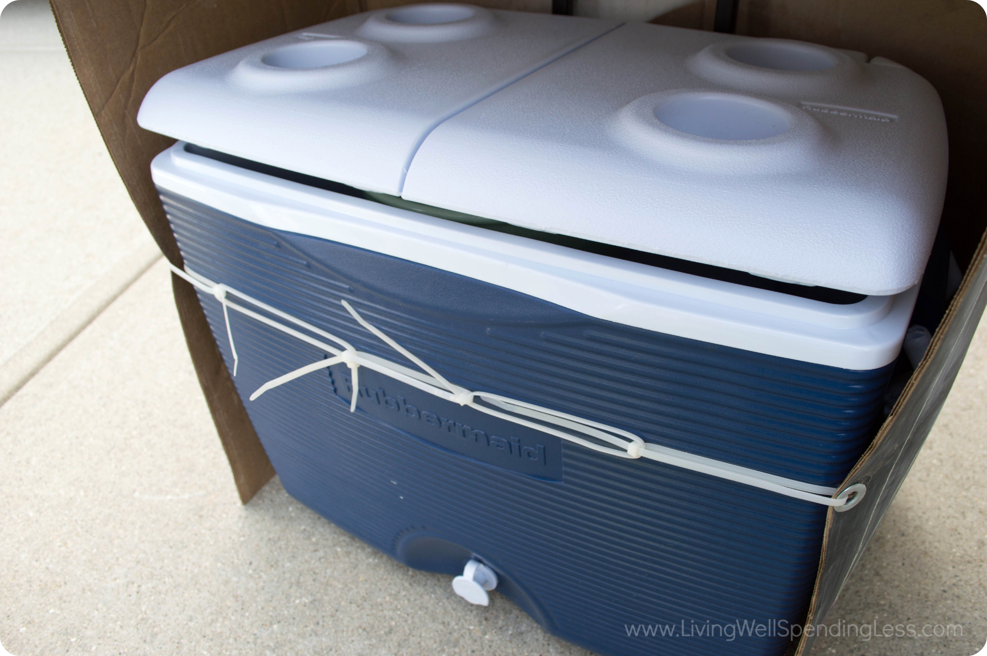 Attach the cover around the cooler with zip ties