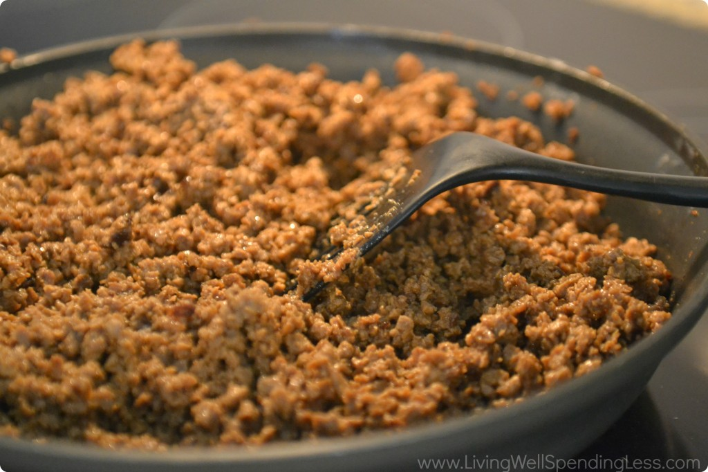 Brown the ground beef, or use vegetarian crumbles to make this a meatless recipe.