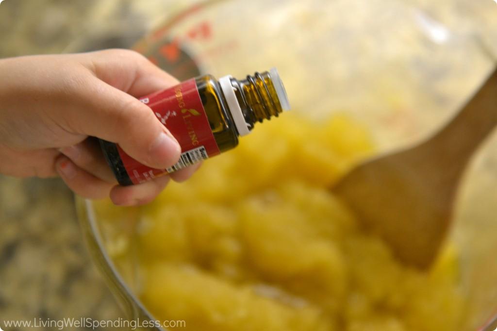 Handmade Honey Salt Scrub | DIY Honey Salt Scrub | Homemade Salt Scrub | Honey Salt Scrub | Salt Scrub Recipe | How To Make Your Own Salt Scrub