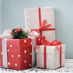 While we often set a budget for the gifts that we buy, we don't always consider the cost of the wrapping! Even so, a beautifully wrapped gift is more fun to give....and receive. Don't miss these 6 smart and creative ways to save on gift wrapping this year!