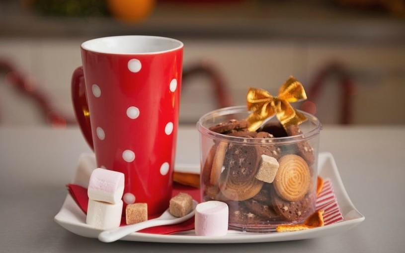 Handmade sweet treats and coffee mugs make for great stocking stuffers.