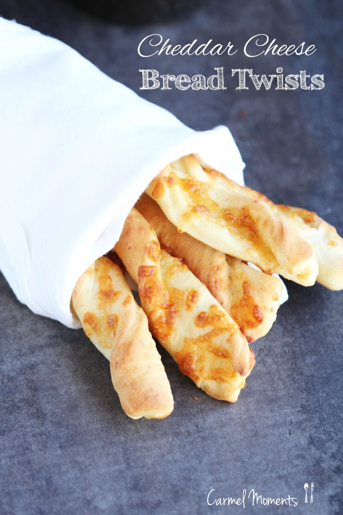 Cheddar-Cheese-Bread-Twists-4-2-682x1024