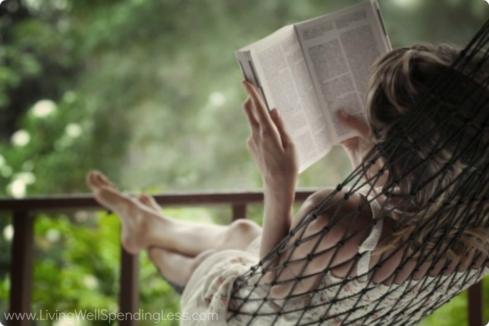 Reading books is a great way to live a happy life.