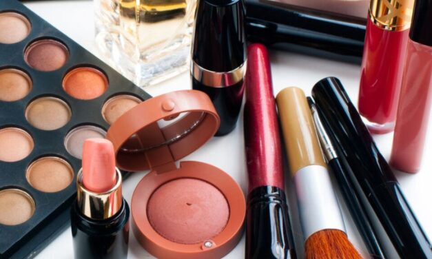 How to Clean & Organize Your Makeup Drawer