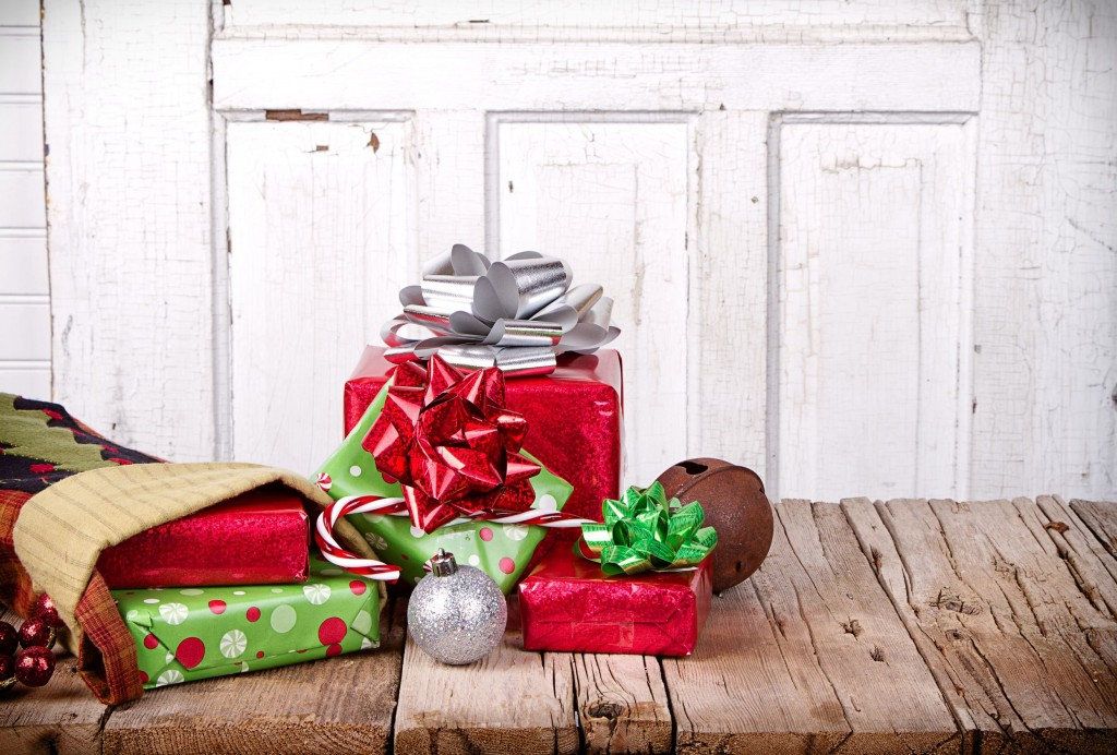 Budgeting around the holidays is a smart way to save money around Christmas time.