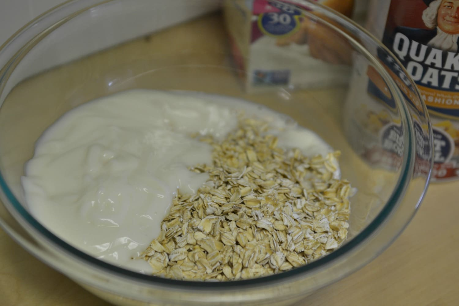 Mix the oats and oatmeal in a bowl
