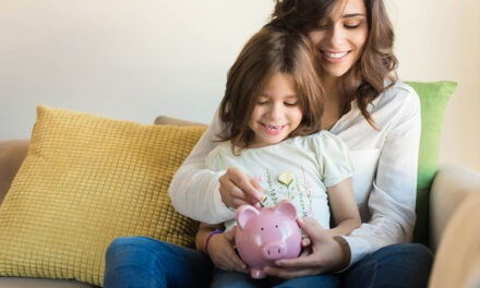 How to Model Healthy Money Habits for Your Kids