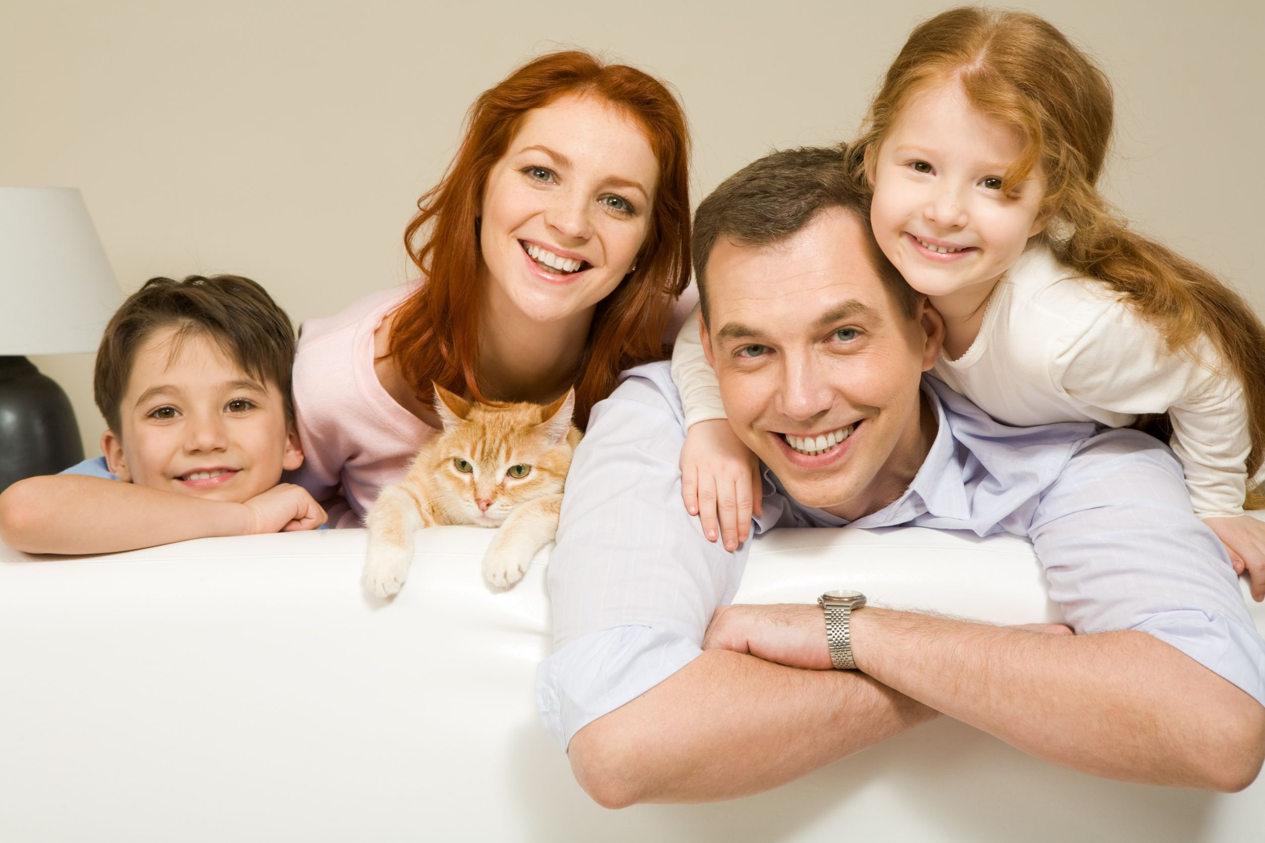 The whole family should maintain a positive attitude during life transitions to help kids cope.