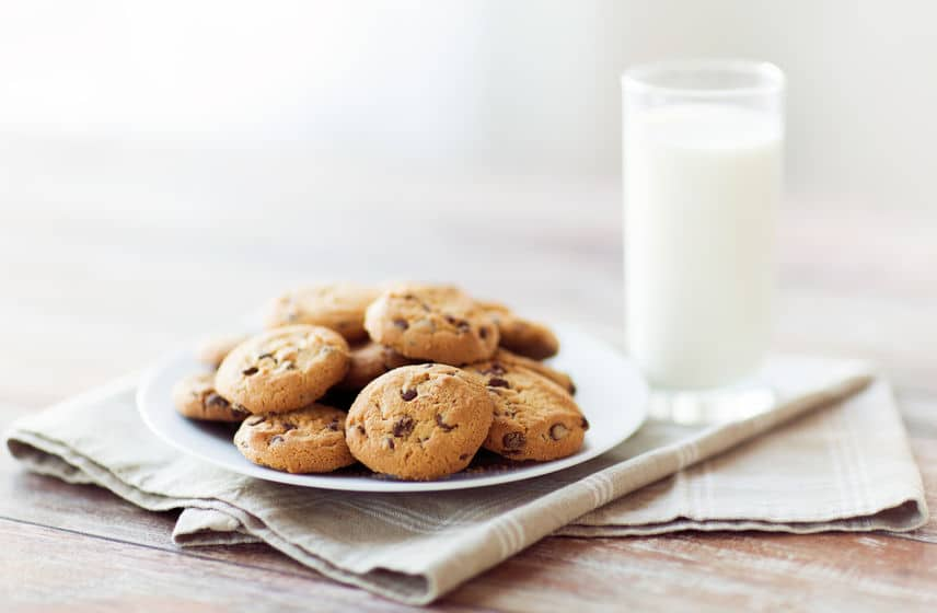 Serve a fresh batch of cookies and a glass of milk for your significant other.