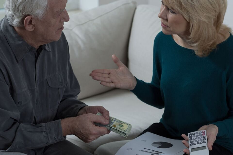 How to Talk to Your Aging Parents About Money